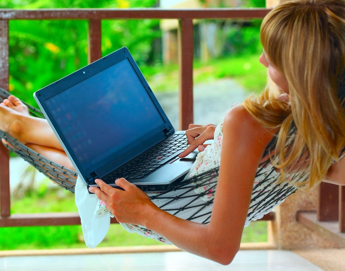 How to Make Money Online and Travel the World (Digital Nomad Approved)